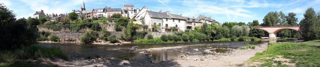 Panoramique sur le village de St Come d'Olt, 3clt, Aveyron