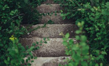 escaliers anciens, maintien à domicile personnes âgées